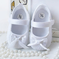 Wholesale Fashion New Baby Girls Shoes First Walker Toddler Infants Prewalker Anti Slip Shoes Wedding Princess Shoes White Pink M