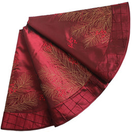 Wholesale EXTRA LARGE quot Christmas decoration berry embroidered deluxe Christmas tree skirt pintuck border burgundy