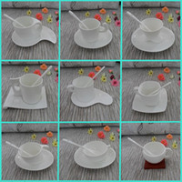 ceramic cup and saucer - European white bone china coffee mugs and creative ceramic tea cup set including cup saucer spoon