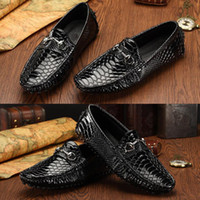 Wholesale Top luxury crocodile pattern elegant shoes men loafers famous brand mens boat shoes leather flats slip ons man casual shoes