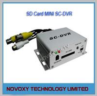 Precio de Circuito cerrado de televisión de vehículos-Envío gratis PlugPlay 1 canal de la Tarjeta SD Mini Coche de Autobuses de Vehículo Móvil del CCTV DVR Grabador de Vídeo Digital AV Grabadora de Doble Flujo