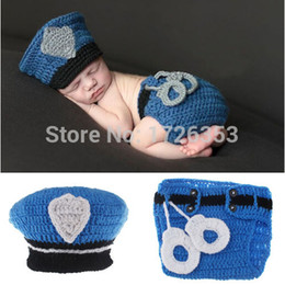 Wholesale New Top Sale Police Design Photography Props Newborn Baby Handmade Policeman Crochet Hat Diaper Set Infant Costume Outfit