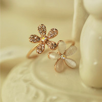 Cheap Wholesale-2015 New !!! Fashion Fine Jewelry Dazzling Rhinestones Full Opal Double Five Flowers Wedding Rings For Women R-5