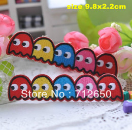 Wholesale cute worm Embroidered cartoon patch iron on Applique motif garment embroidery patch DIY accessory