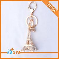 Wholesale adorable gold crystal eiffel tower keychain zinc alloy key chain rhinestone keychain gift