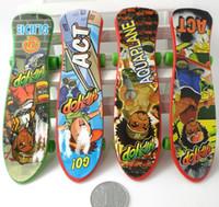 Wholesale finger skateboard plactic little kids toys fingerboard finger board for children s finger board boys toys mini