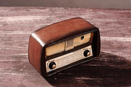 Wholesale telsiz Antique vintage resin Radio craft home decor portable shortwave fm radio Art