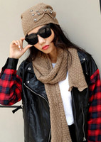 Wholesale Bow female winter cap soft thermal scarf bow knot knitting high quality acrylic hat scarves twinset color set
