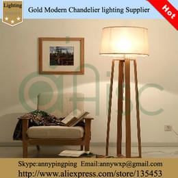 Vente en gros-Hot Cheap American Style Le Logs Quatre stand en bois massif Et Tissu Abat Floor Lamp, stand lampe pour la maison à partir de maisons en rondins de bois fabricateur