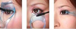 Wholesale New Magic Beauty Triple Eyelashe Card Curler Makeup Brush Mascara Tools Eyelash Cosmetic Tool Color Random Drop Shipping