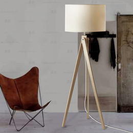 Wholesale Contemporary Tripod Wood Floor Lamp European Cloth Abajur For  Bedroom Original Design Linen Lamparas Minimalist