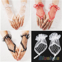 Wholesale Sexy Lace Wrist Fingerless Gloves For Wedding Evening Party Bridal Short Gloves Dress None Fingers Gloves HOA