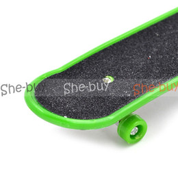 Wholesale Random Hot Children Alloy ABS Mini Deck Finger Board Skateboards Kids Fascinating Toys