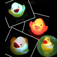 bath duck led - New Colorful Soft Plastic Baby Bath Bathing LED Flashing Duck Flashing Funny Bath Rubber Duck Toy for Kids
