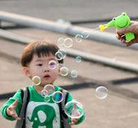 Оптовые 2015 горячей продажи ИНТЕРЕСНЫЕ ДЕТЯМ ГОРЯЩИЕ пистолет пузырь очень мило, как здорово СДЕЛАТЬ пузырьков ДЕТЕЙ понравится