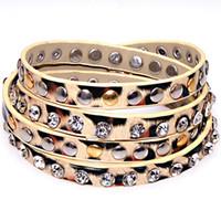 achat en gros de cloutés gros bracelets d'emballage en cuir-Cristal gros bracelets et le léopard de métal impression cuir PU, bien emballés Bracelets cloutés, bracelets enveloppés multiples, bracelet wrap, modèle 50772