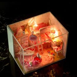 2017 amante de bricolaje de madera montar Venta al por mayor DIY-Montaje de modelo en miniatura Kit de madera casa de muñeca de juguete único con muebles de muñecas casa de muñecas en miniatura de las muchachas del regalo del amante amante de bricolaje de madera montar baratos