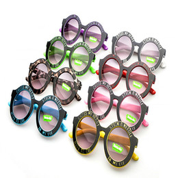 Wholesale-Retro Top Fashion Toddlers Kids Plastic Frame Sunglasses Boys Girls Round Shades Eyewear Goggles Vintage Children Sunglasses