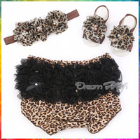 baby bermuda shorts - Leopard Girl Baby lace bloomers pearl hairband Barefoot Sandal Set Newborn shorts Boutique Pants Animal bermuda infantil T0199