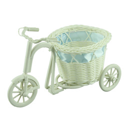 Wholesale Hot selling big wheel round basket rattan floats flower vase flowerpots containers small flower bike flower pot