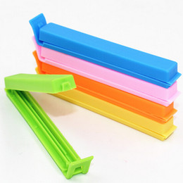 Wholesale High Quality candy color Snack bags Sealing Clip plastic bag clip Kitchen accessories