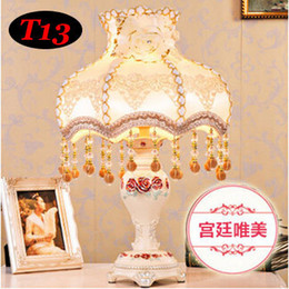 Al por mayor (WECUS) envío libre, lámpara de escritorio de la decoración europea del estilo, princesa habitación de lujo lámpara de mesa de noche, sin fuente de luz E27 desde wecus light fabricantes