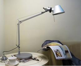 Wholesale New Modern LED Straw Hat Table Bedside Lamp Aluminum Lampshade Study Office Lampe Bureau V Desktop Lamp Italian Design D2
