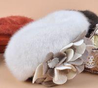 Venta al por mayor barata de calidad superior-2015 Nueva manera del invierno de las lanas suaves calientes mujeres florales de la flor de piel del conejo de las boinas de esquí al aire libre las gorras (10 colores)