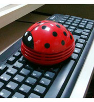 Wholesale Whole selling Ladybug cleaner mini desktop vacuum cleaner keyboard cleaner
