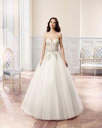 Sweetheart White plus size princess wedding dresses Beautiful Handmade Beading Bodice A-line wedding Gown Elegant Bridal Dress