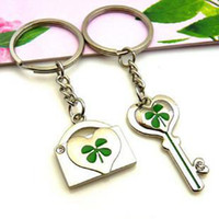 Wholesale Four Leaf Clover Metal Key Chain Lover Keyrings Holiday Gift Pairs