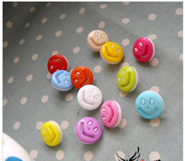 Wholesale CB of cute smile resin acrylic sewing button apparel accessory mm mm