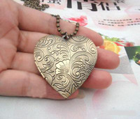 Wholesale 42mm locket Pendant Brass Bronze Copper European Antique Style Heart Flower Prayer Box Photo Locket