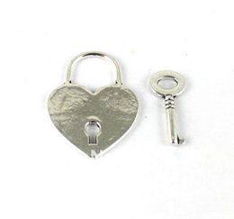 30Sets Tibetan Silver Heart Lock Key Toggle Clasps A13017