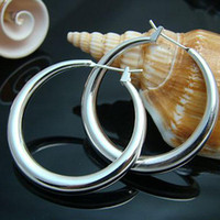 Wholesale Free P amp P price Sterling Silver fashion jewelry charm round earring E20