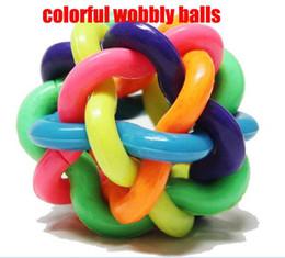 Colorido doméstico del gato del juguete Bolas Gog Juego Las bolas alimentos para mascotas Bola tembloroso (M) -100pcs / lot