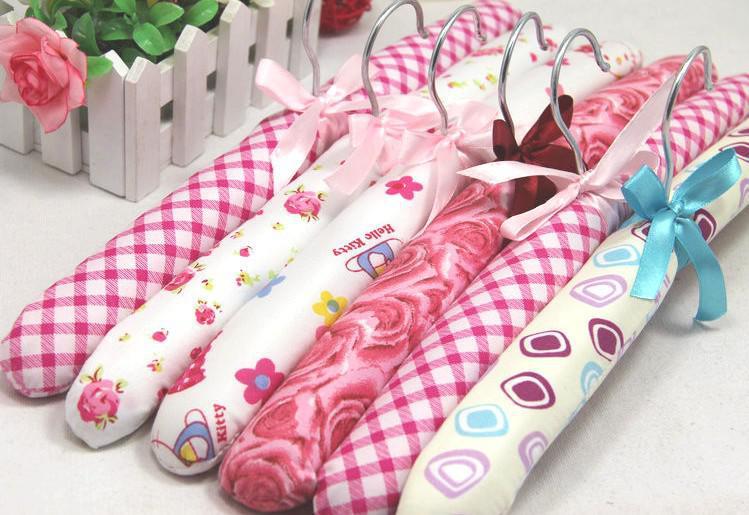 Wholesale clothes rack sponge clothes rack satin padded garment hanger