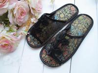 Wholesale Silk Mens Slippers Hotel Slipper House Slippers Fashion Slipper China knot Men s Loafer pair Free