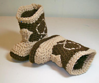 Baby crochet shoes snow booties cowboy design cotton 0- 12M s...