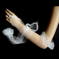 Wholesale Unique hand Lace Edge Elbow Wedding Gloves Bridal Gloves For Wedding Day Evening Party