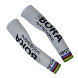 2017 BORA PRO EQUIPO Ciclismo ARM Warmers manga Spandex Coolmax Lycra UV Protección Tamaño: S-XXL desde calentadores de brazo de lycra proveedores
