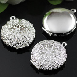 Wholesale DIY Silver European Hollow Out Locket Vintage Pendants Box Craft Photo Frame Locket Jewelry Finding