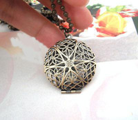 Wholesale DIY Bronze European Hollow Out Locket Vintage Pendants Craft Photo Frame Box Locket Jewelry Finding