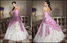 Wholesale In Stock Ball Gown Strapless Ruched Taffeta Embroidery US Lilac White Quinceaner Prom Dresses