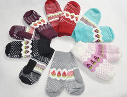 Wholesale New Girl s Gloves Mittens Full finger gloves thick Warm strawberry gloves Wool gloves Winter gifts