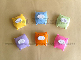 Wholesale MOQ Contact Lens Case Set Cute Pig Design Soaking Box Colors by China Post Airmail