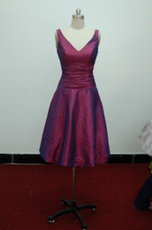 Wholesale In Stock Real Sample V Neck A Line Knee Length Purple Taffeta Bridesmaid Dress Dresses