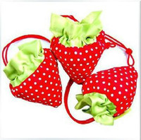 Wholesale Up to off Strawberry shopping bag Cute Foldable Shopping tote folding fruit bag wrapping