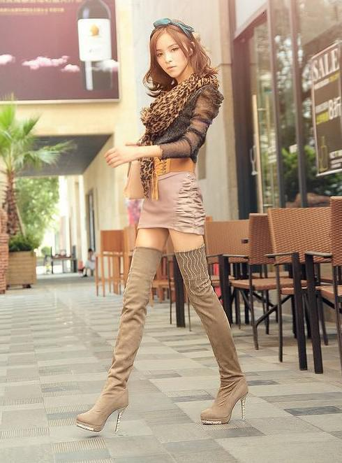 Women In Thigh High Boots - Cr Boot