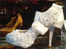 Perles de diamant hauts talons en Ligne-Fashion Diamond Satin Perle en forme de coeur chaud haut talons robe chaussures chaussures de mariée taille fait sur commande